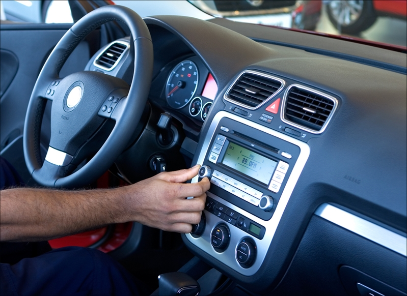 Many drivers don't use the entertainment and connectivity features manufacturers are endeavouring to fit to vehicles.