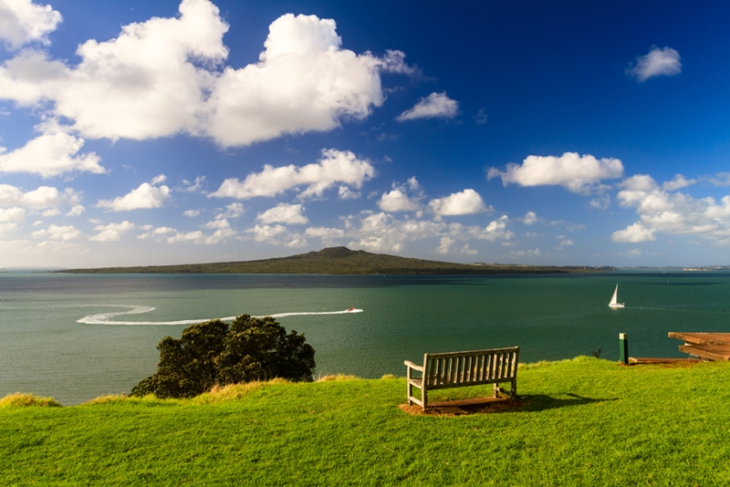 Are rapidly rising Auckland prices spreading elsewhere?