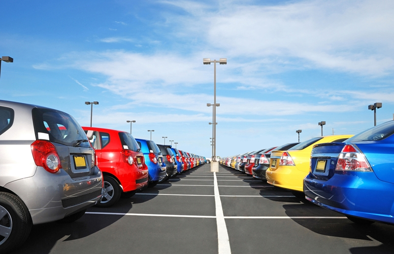 Corporate car hire companies invest in manufacturers' fleets.