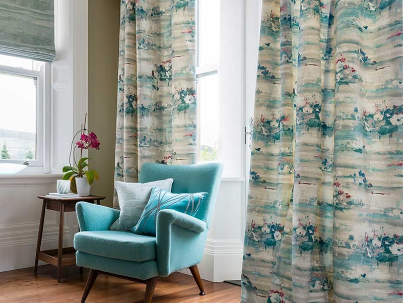 Your curtains are an important part of home decor, so it's important to keep them clean.