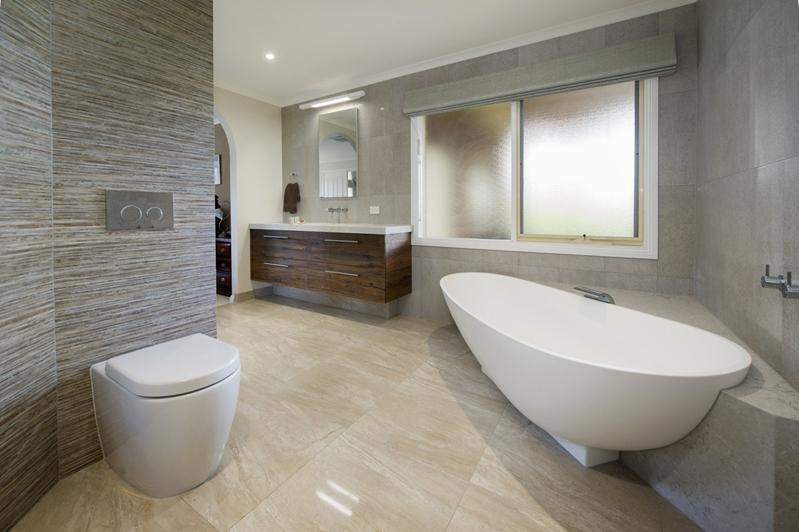 This Yarra Glen bathroom uses space well.