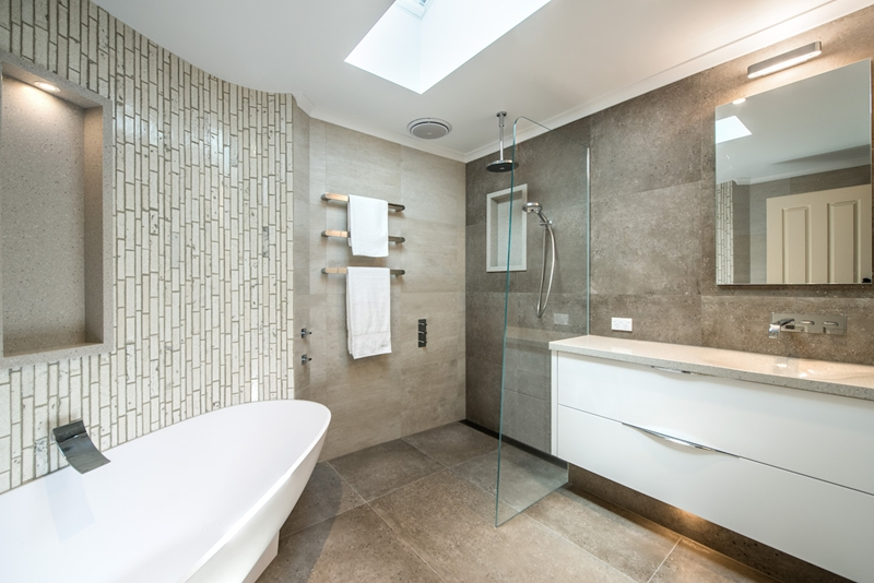 Placing The Towel At A Reachable Distance From The End Of The Shower Or  Within The Wet Shower Space Will Ensure You Can Dry Yourself Off Before  Stepping Out ...