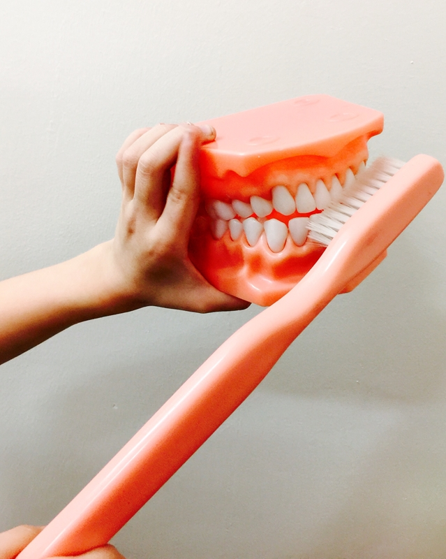 Discover the tell-tale signs of gum disease today.