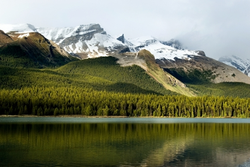 From mountains, to lakes and glaciers, the Rockies are stunning.