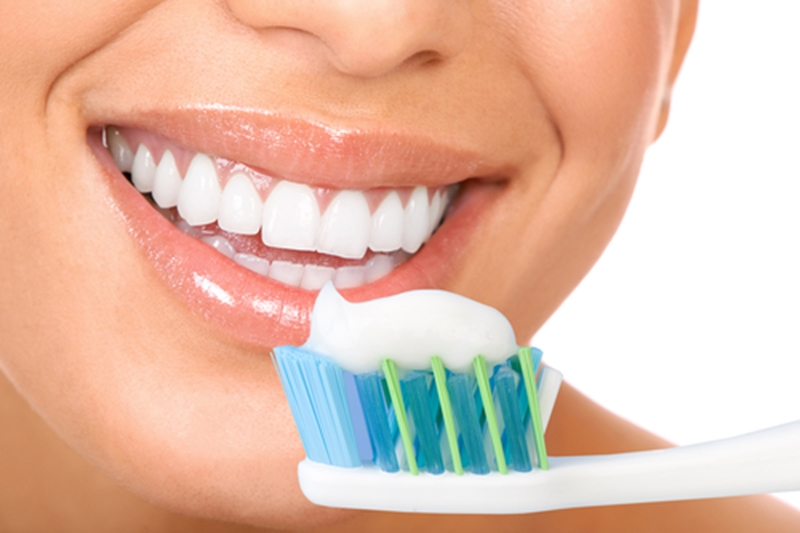 Whitening toothpastes help to remove surface particles, but don't treat intrinsic stains.