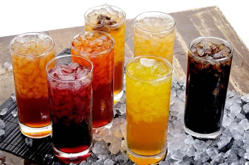 Soft drinks with ice in them.