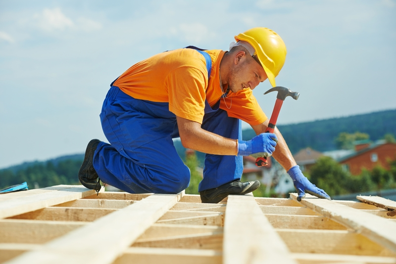 There are some insurance risks when it comes to hiring subcontractors.
