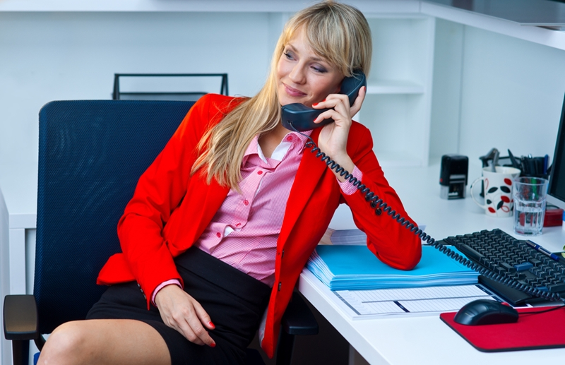 A business line makes your business seem more professional.