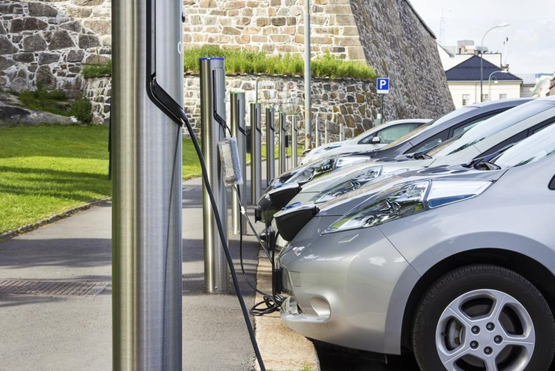 Buying a used electric car has environmental benefits but won't break the bank.