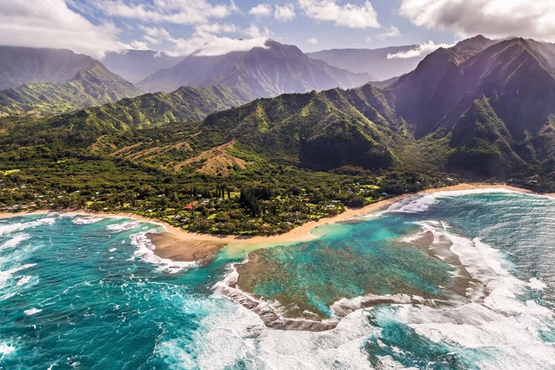 Children will marvel at Hawaii's coastlines.