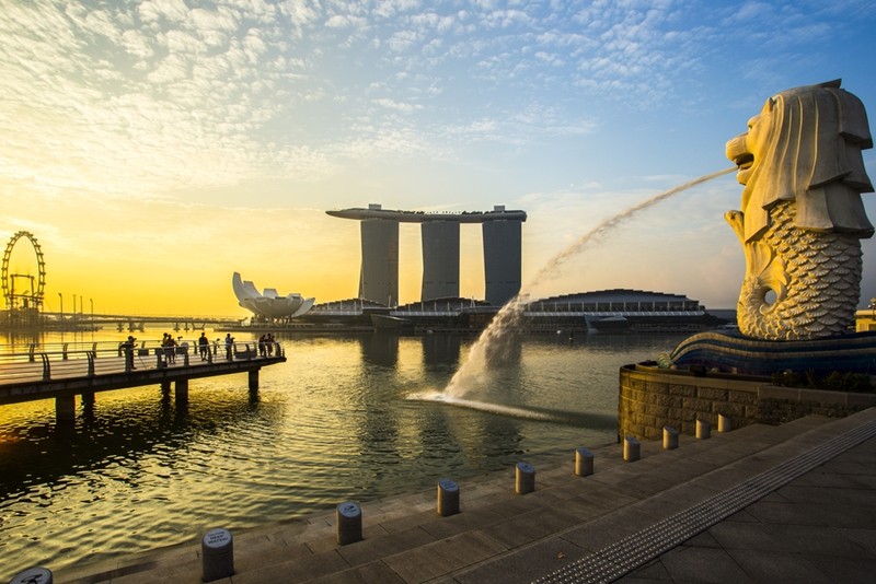 The Merlion statue is an iconic Singapore landmark.