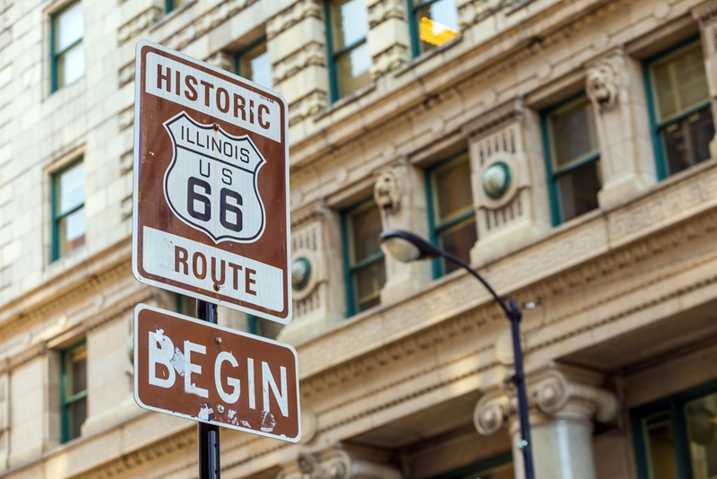 Brown signs in Chicago signalling the start of Route 66.