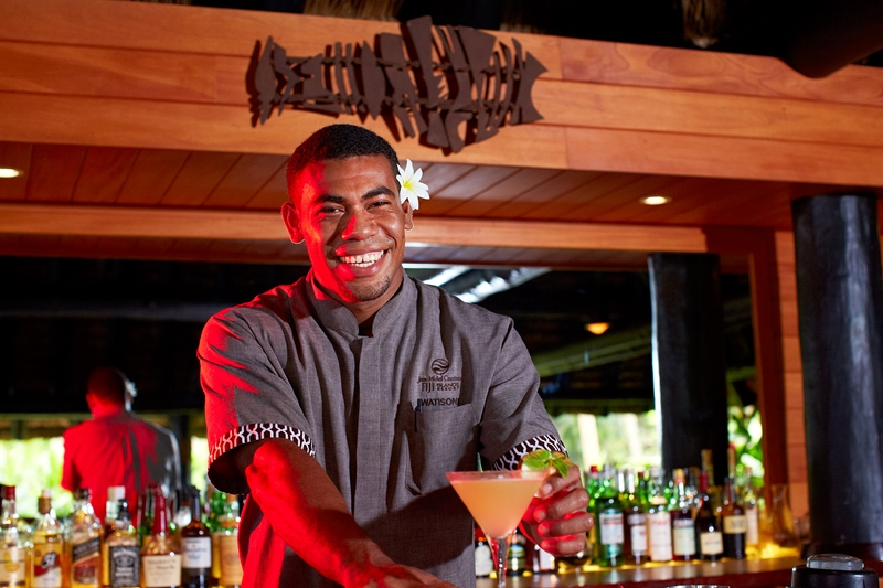 Allow our expert bar staff to create exotic cocktails at our Lounge Bar.