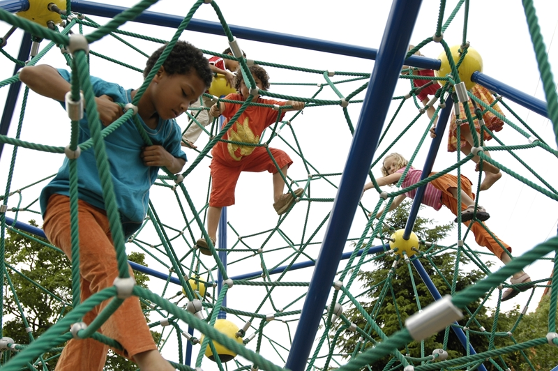 Can playground design promote cognitive development in children?